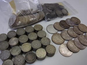 100円銀貨や1000円銀貨
